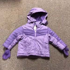 3T winter coat with attachable mittens.